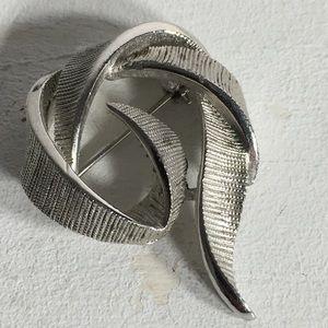 Vintage Silver Tone Swirl Brooch/Pin